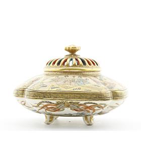 satsuma, incense burner, japanese antique, gold, porcelain, japanese artist, meiji period, handmade
