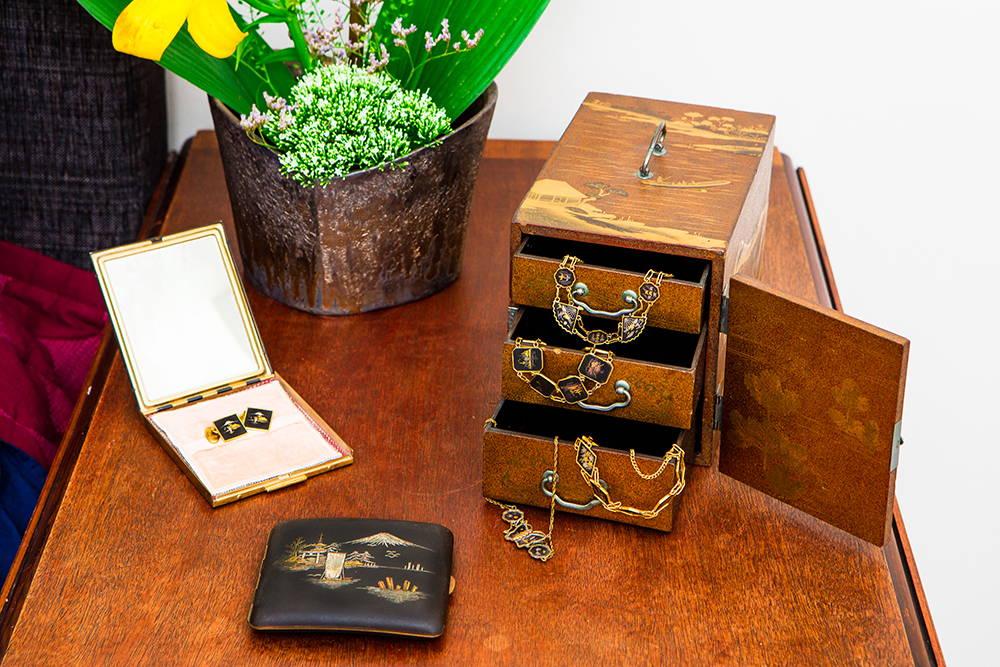 komai metalwork, antique japanese jewellery